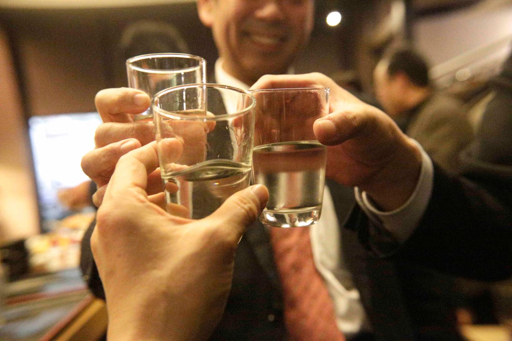 故人が大好きだった日本酒で献杯