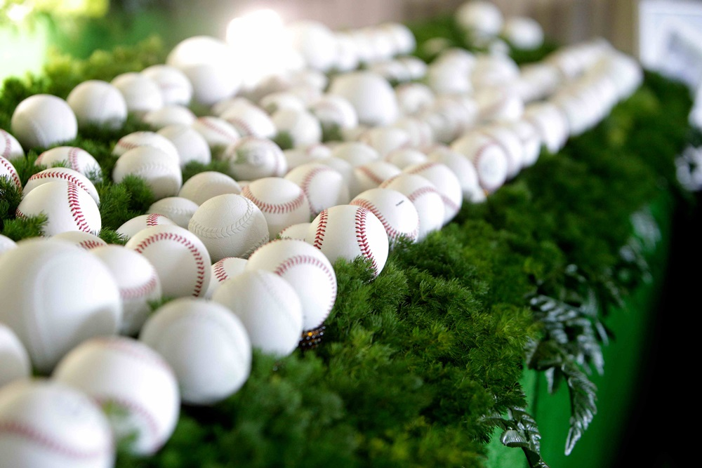 「献球」された野球のボール
