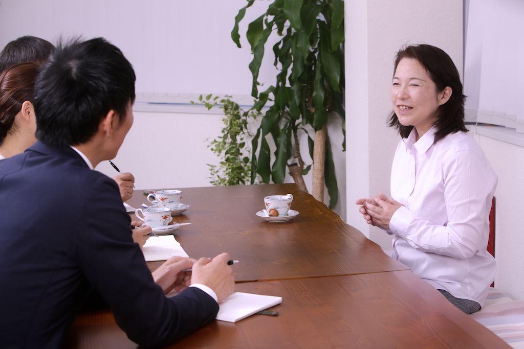 桜の季節、家族と一緒に開いた</br></noscript>「卒業式と入学式」/インタビュー
