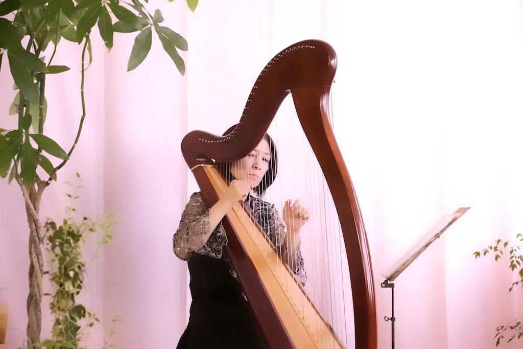 ハープによる献奏