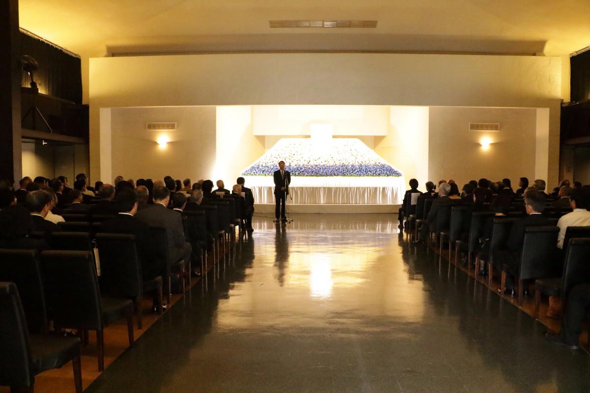 社葬・団体葬・合同葬とは – 他の葬儀との違い